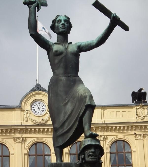 Monday's Monument: Fredsmonumentet, Karlstad