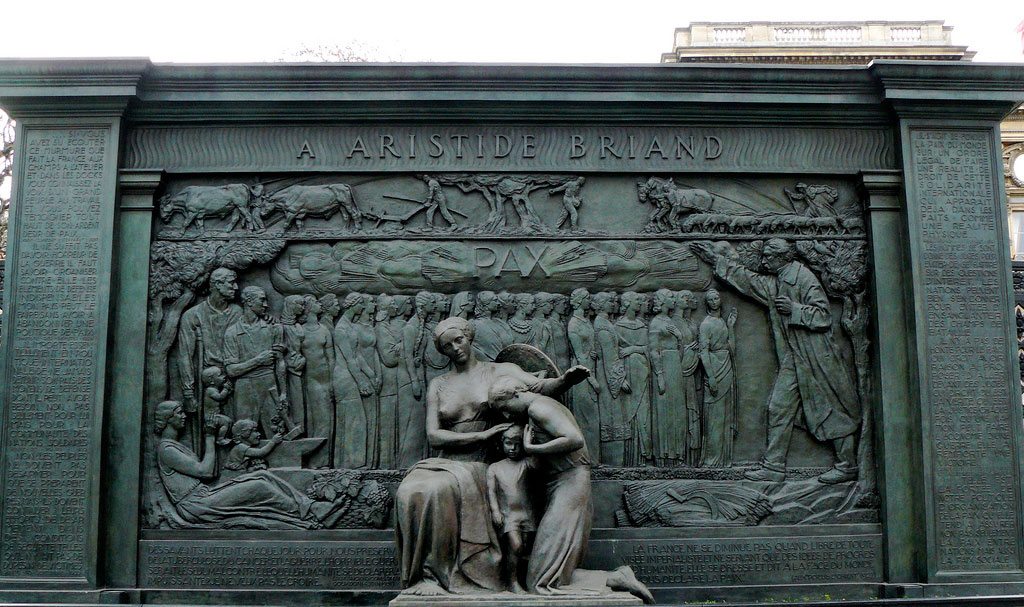 Monday's Monument: Pax (Aristide Briand Monument), Paris, France